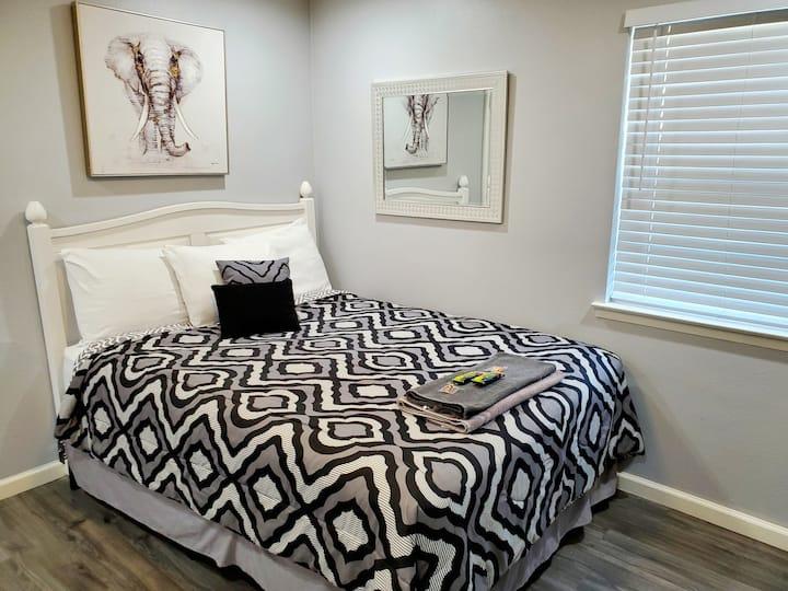 Elegant studio (B) apartment close to DFW Airport