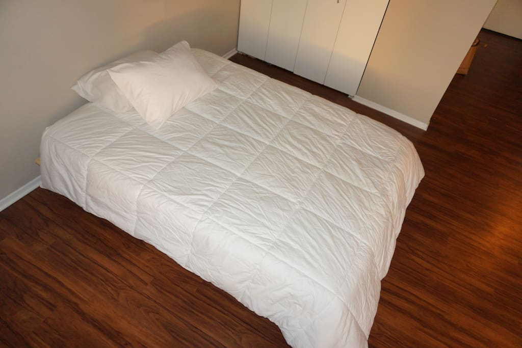 very comfortable queen sized bed