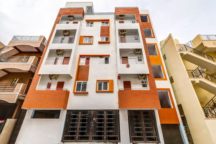 OYO Best Deal! Spacious 1BR Home in Bangalore