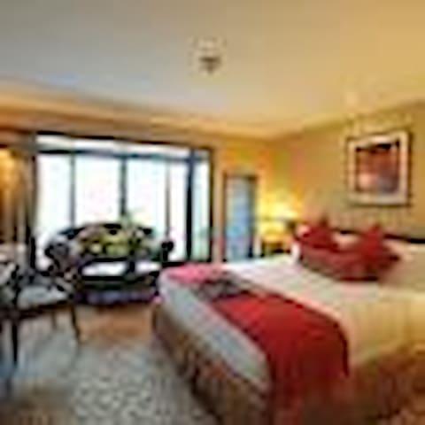 Sebuleni VIP Guest house & Hotels