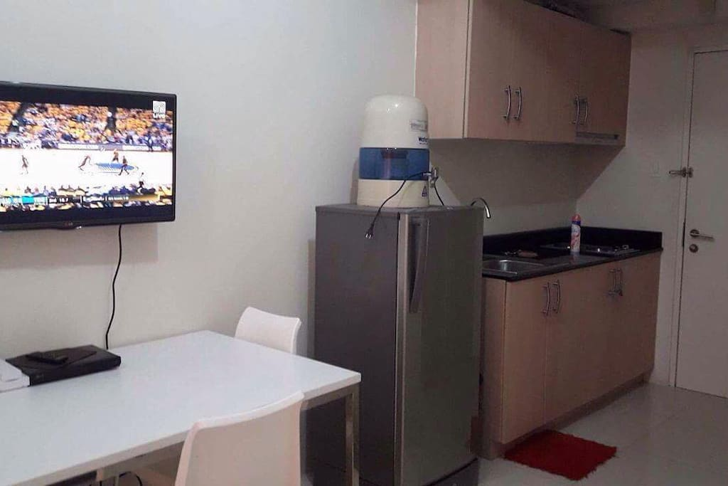 Ref, TV, Kitchen, Tables and Chair
