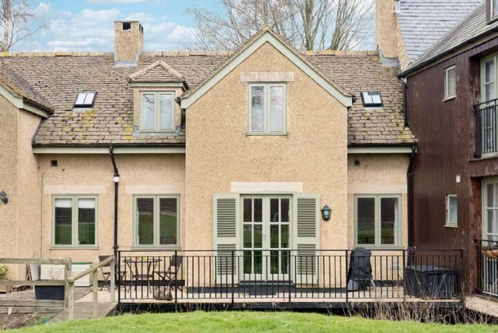 Keynes Cottage, Luxury Spa, Nature Reserve, Child Friendly, Lower Mill Estate