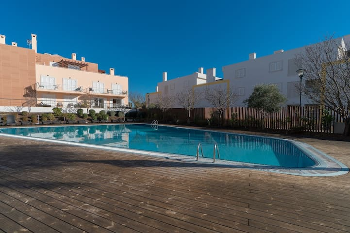 Glip Red Duplex Apartment, Cabanas Tavira, Algarve - Cabanas de Tavira - Huoneisto