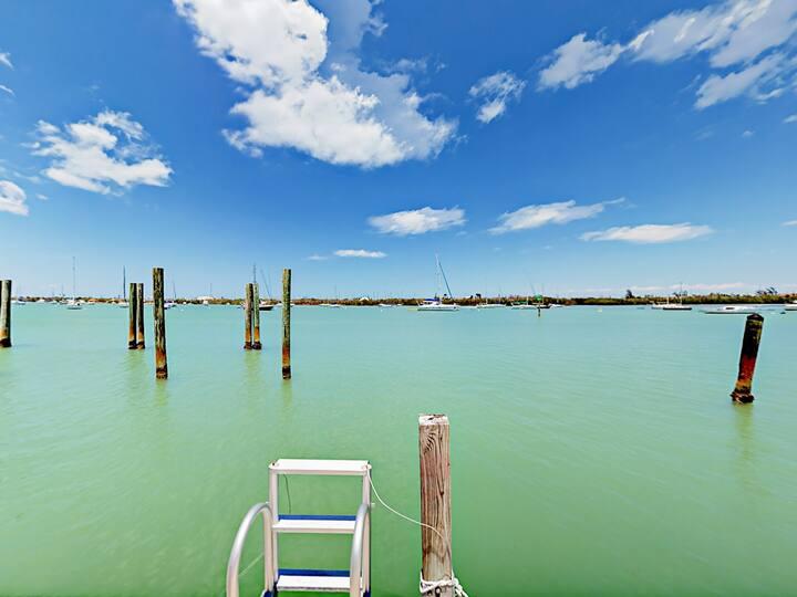 Waterfront Getaway with Huge Loft & Great Views