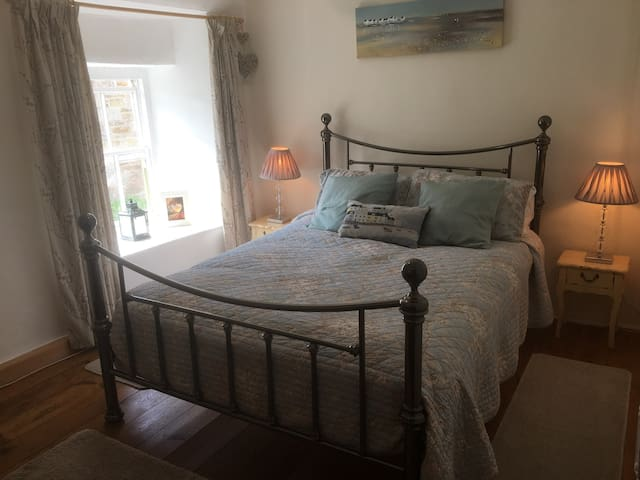 Lovely Second Good sized bedroom with double bed and dressing table.