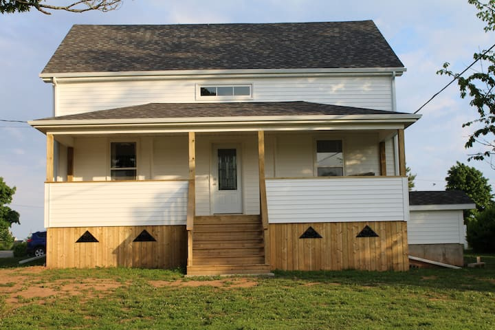 Completely renovated year-round house rental - Canning - Dom