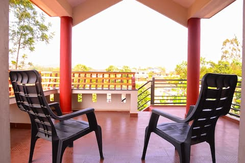 TWO-BEDROOM DELUXE HOME-BALCONY-VIEW-FREE WI-FI
