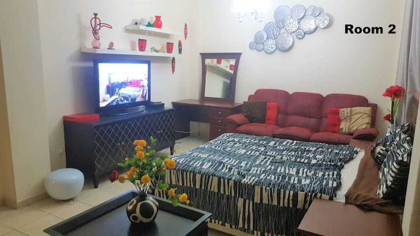 """Spacious Room in """"THE GARDENS"""" Greenery community"""