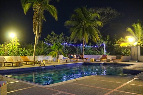 Double room in hostel 10 mins from Playa Blanca