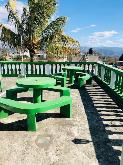 带Linda Vista的3个房间,靠近Xemap和Mixco Viejo
