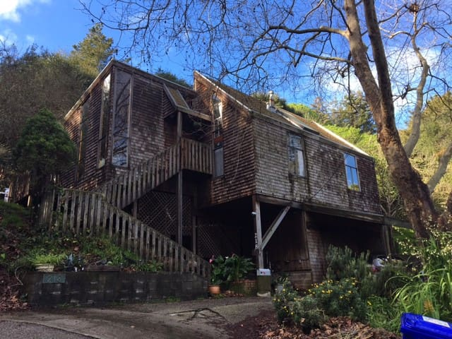 Multi-Story Bay Area Chalet Nestled at Top of Hill