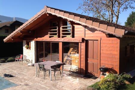 Petit chalet au pays du Mont Blanc - piscine/spa - Marignier
