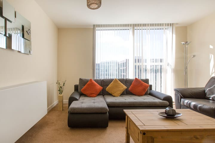 Central MK Hub 1 Bed Apt Sky Sports Movies