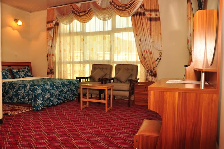 Keba  Guesthouse Room free airport pick-up & WiFi