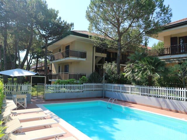Giuliana two bedroom apartment 5 beds ground-floor - Lignano Sabbiadoro - Apartment