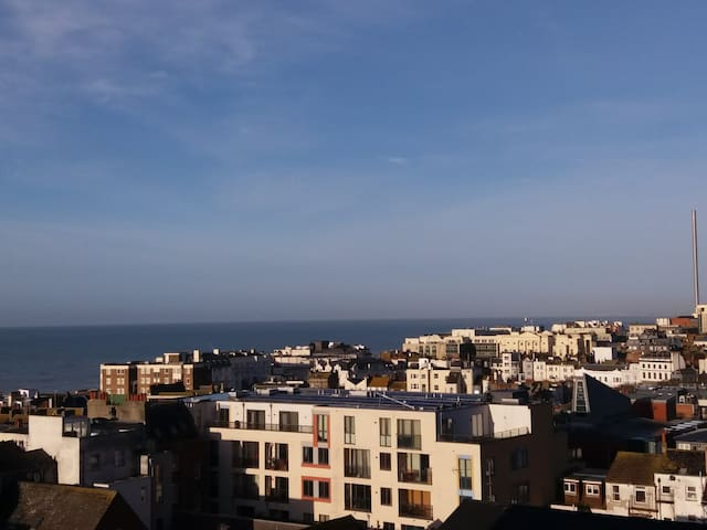 LOCATION, Room with a view near the Seafront