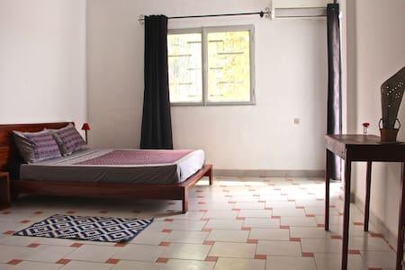 B&B LE NOMADE - Chb double avec balcon n°2 - Ouagadougou