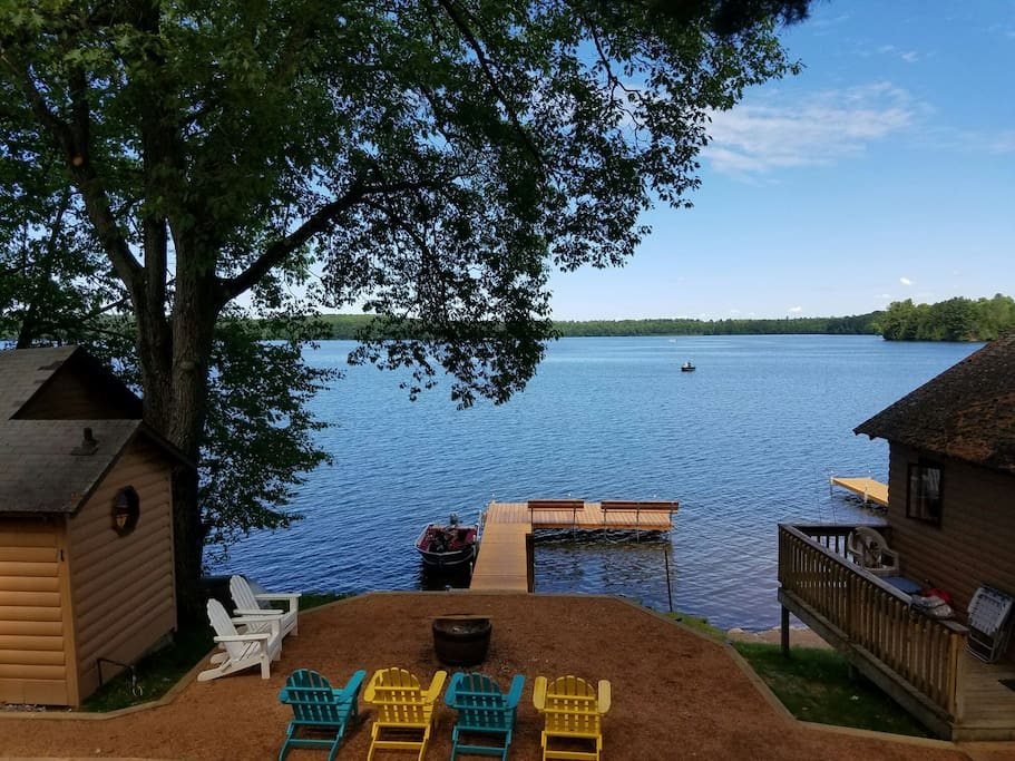 Right on the lake great fishing pet welcome cabins for Fishing cabin rentals wisconsin