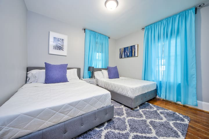 ✪2 Double beds 4mi to Downtown near subway freepk✪