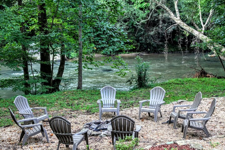 Relax & Unwind at the Chestatee River Retreat!