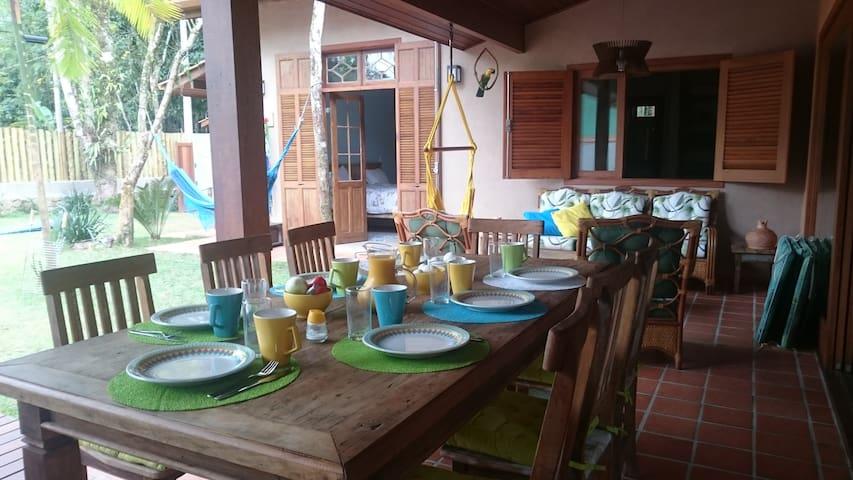 Traumhaus mit Solarbeheiztem Pool 200m vom Strand - São Sebastião - Haus