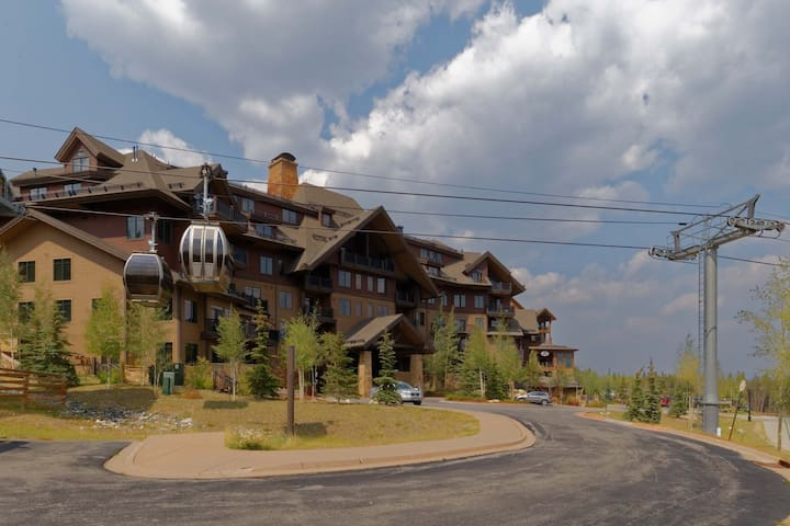 Crystal Peaks Large 3 Bedroom Ski In Ski Out Condo