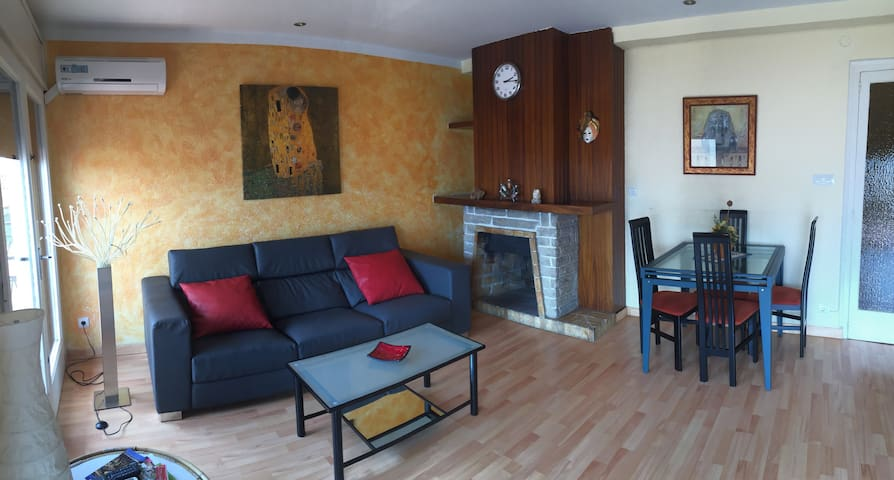 Comfortable apartment 5 minutes from the beach - Torredembarra - Flat