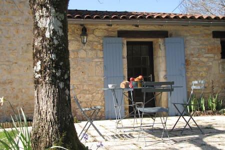 Gite en seuil Charente Périgord - Feuillade