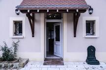 L'entrée principale de l'appartement