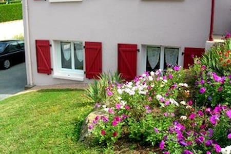 LA FRAMBOISINE: appartement  30m2 chez l'habitant - Saint-Michel-Mont-Mercure
