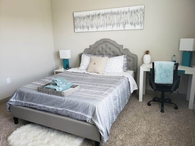Private Bed and Bath near Brier Creek/RTP/RDU