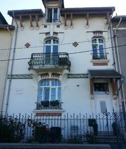 Maison cosy des années 1910, SBD & WC privés