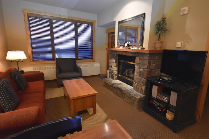 One Bedroom Ski-In/Out Morning Eagle Condo #207