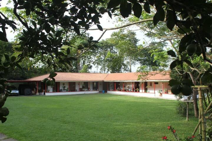 """Habitación privada Villa Cristina """"Casa Boutique"""""""