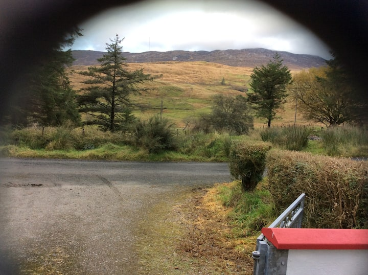 Wards cottage. Peaceful, Mountain View, 2 bedroom