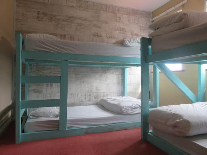 Mixed Dorm room with 4 beds, shared bathr
