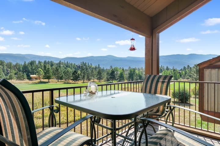 Lovely golf/mountain view condo w/fireplace, deck & shared pool, hot tub, sauna!