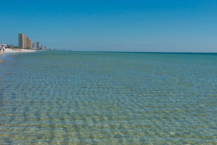 Seahorse Beach Home - Huge Deck - Family Getaway