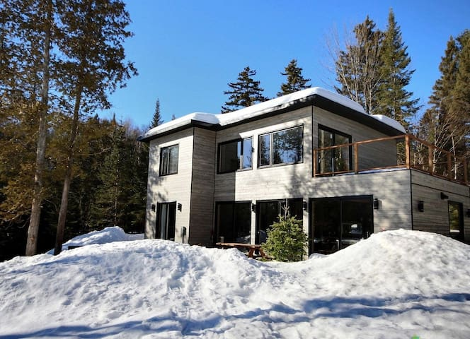 Cottage to rent by lake with SPA and Pool Table - Sainte-Marguerite-du-Lac-Masson - Ev