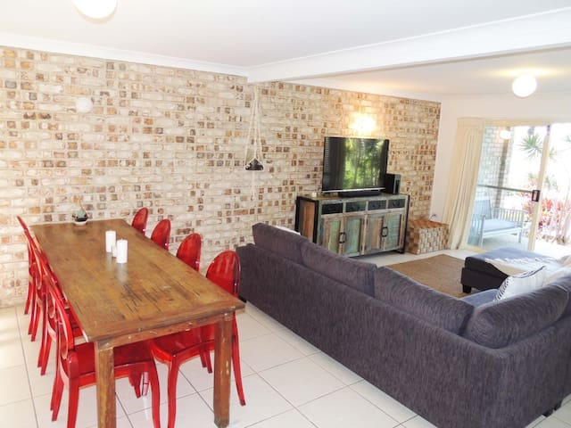 Escape to Byron Bay Family Abode 3 Bedrooms