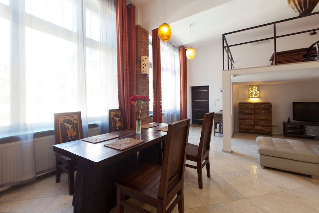 DINING PLACE IN LIVING ROOM