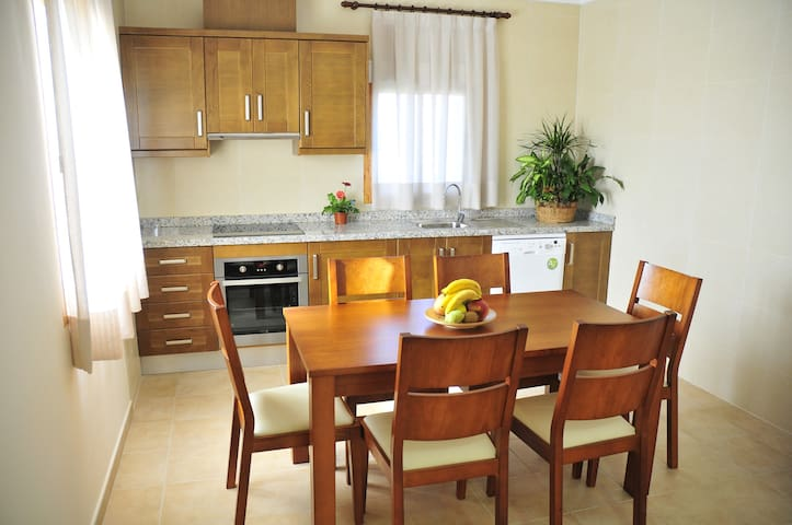 One-Bedroom Apartment (2 Adults) - Elche - Leilighet