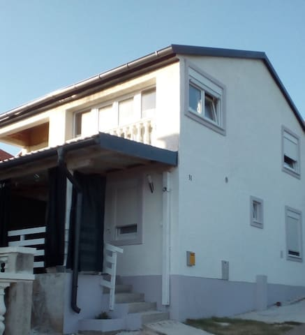 Apartman 2+1, Šušnjar1, 200 m do plaže