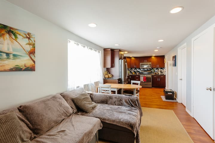 1 BR + House Access, 2 miles from downtown - San Diego - House