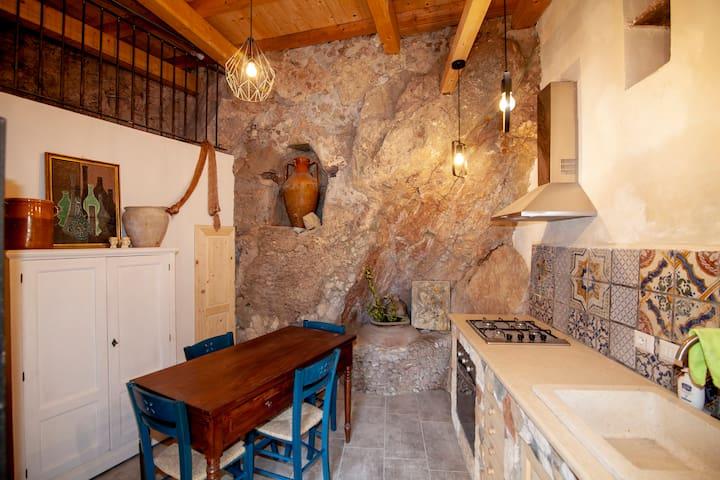 Casa Vacanza La Rocca-Forza D'Agrò-Sicilia