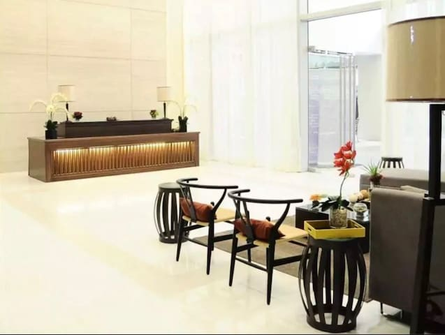 The Pearl Place @ the heart of ortigas center
