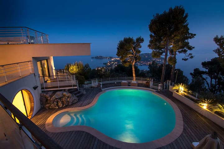 STUNNING 180 degree views of the French Riviera!