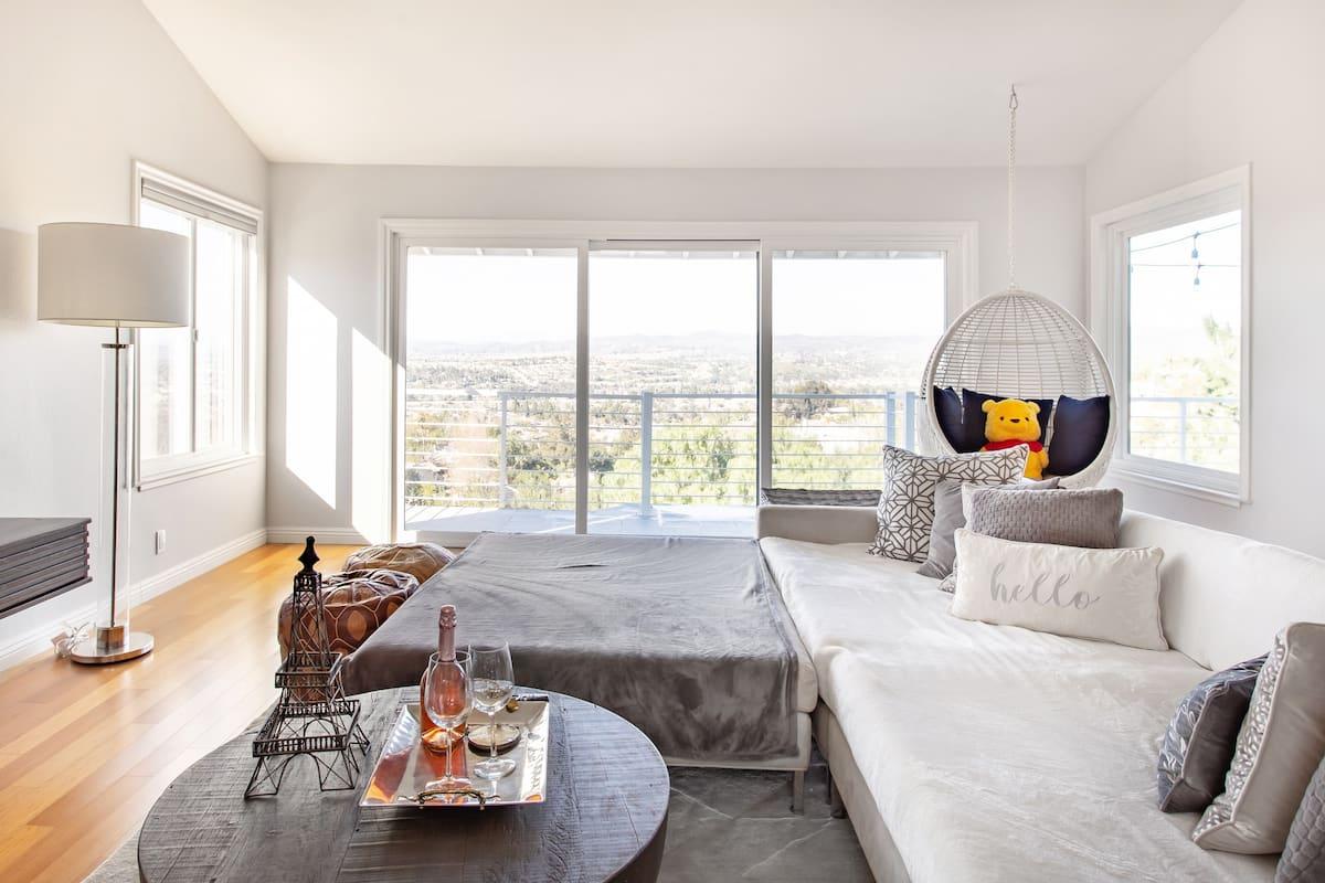 Panoramic Views from an Elegant Home near Disney