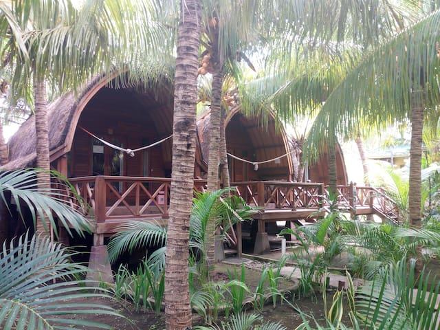 raffi coconut bungalows #5