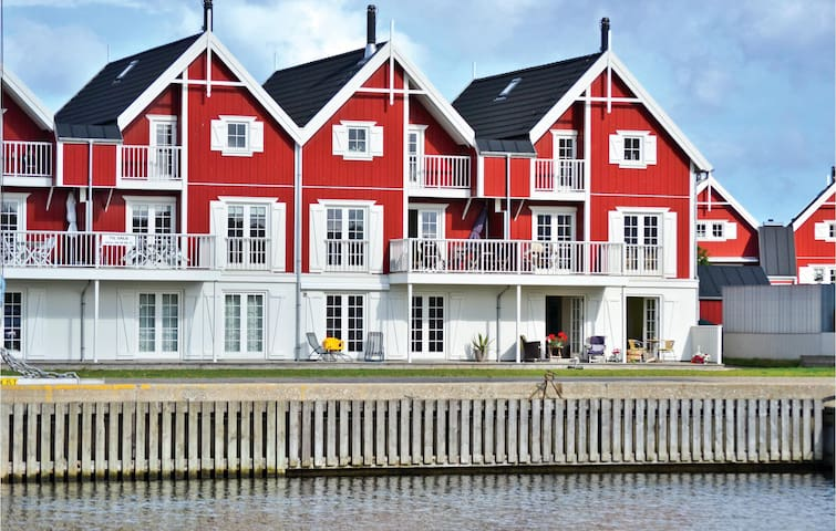 Holiday apartment with 2 bedrooms on 92 m² in Nykøbing Sj